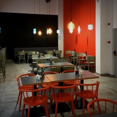 restourant_square_2-min